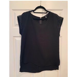 FOREVER 21 HI LOW STUDDED SLEEVE TOP